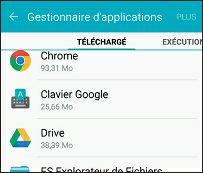 La liste des applications du téléphone apparaît à l'écran