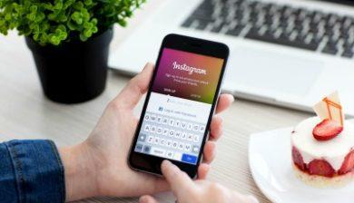 Photo à la une de l'appli Instagram- un téléphone connecté sur Instagram