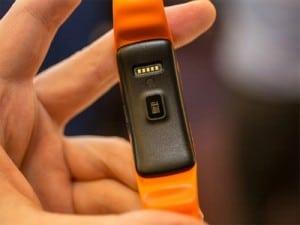 samsung-gear-fit, un bracelet connecté