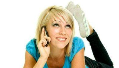 Femme qui téléphone