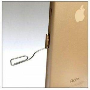Un trombone n'est pas très élégant, mais néanmoins efficace pour éjecter la carte SIM