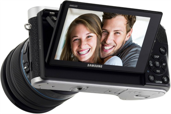 samsung-appareil-photo-nx500-écran inclinable