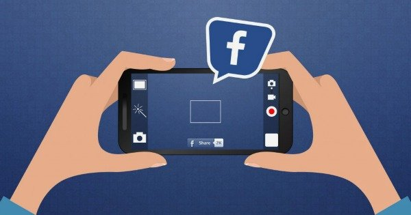 image représentant un smartphone avec un logo facebook