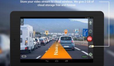 image montrant le gps de camonroad dans une voiture filmant la route